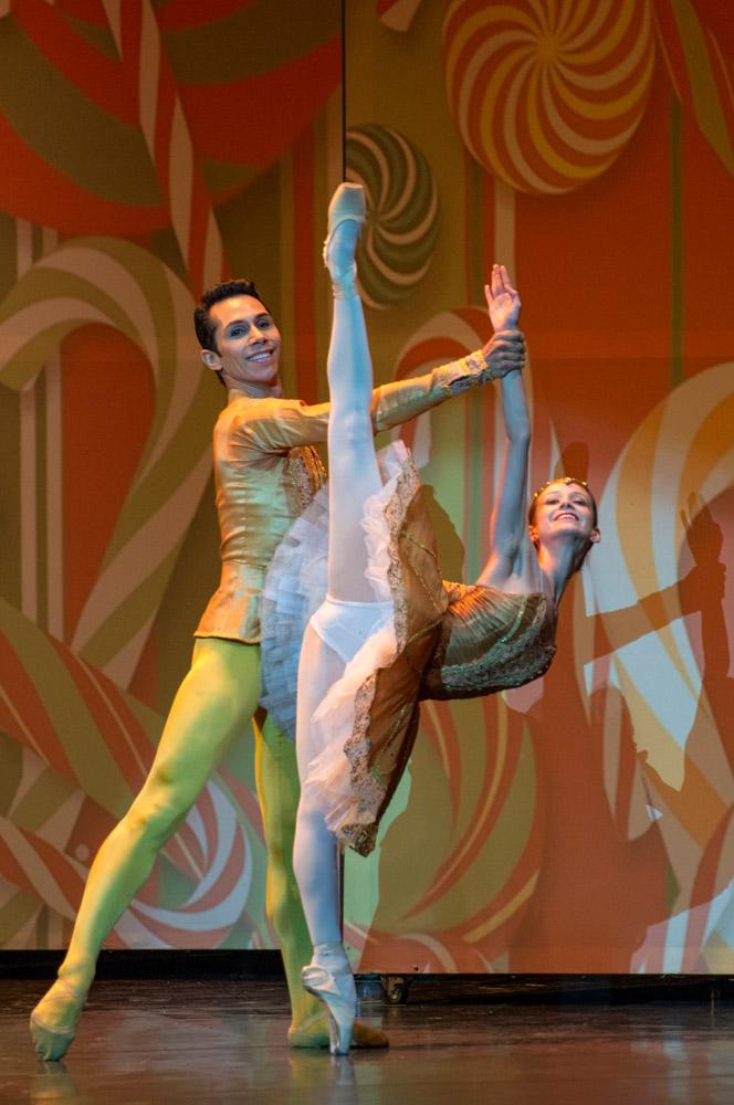 Lucas Siqueira y Catalina Duarte, como el Hada y el Príncipe del Reino de los Confites. foto