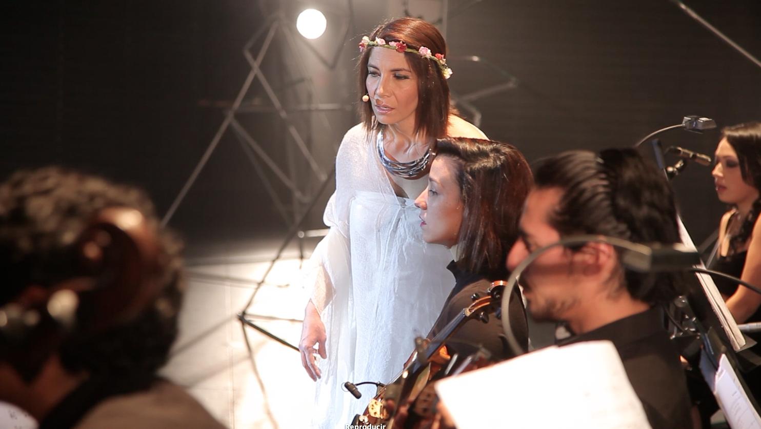 Nancy Gómez y parte de Ensamble Instrumental FOJI. foto Cristian Parker