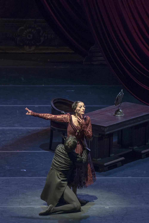 Tatiana rechaza para siempre a Onegin. foto Patricio Melo