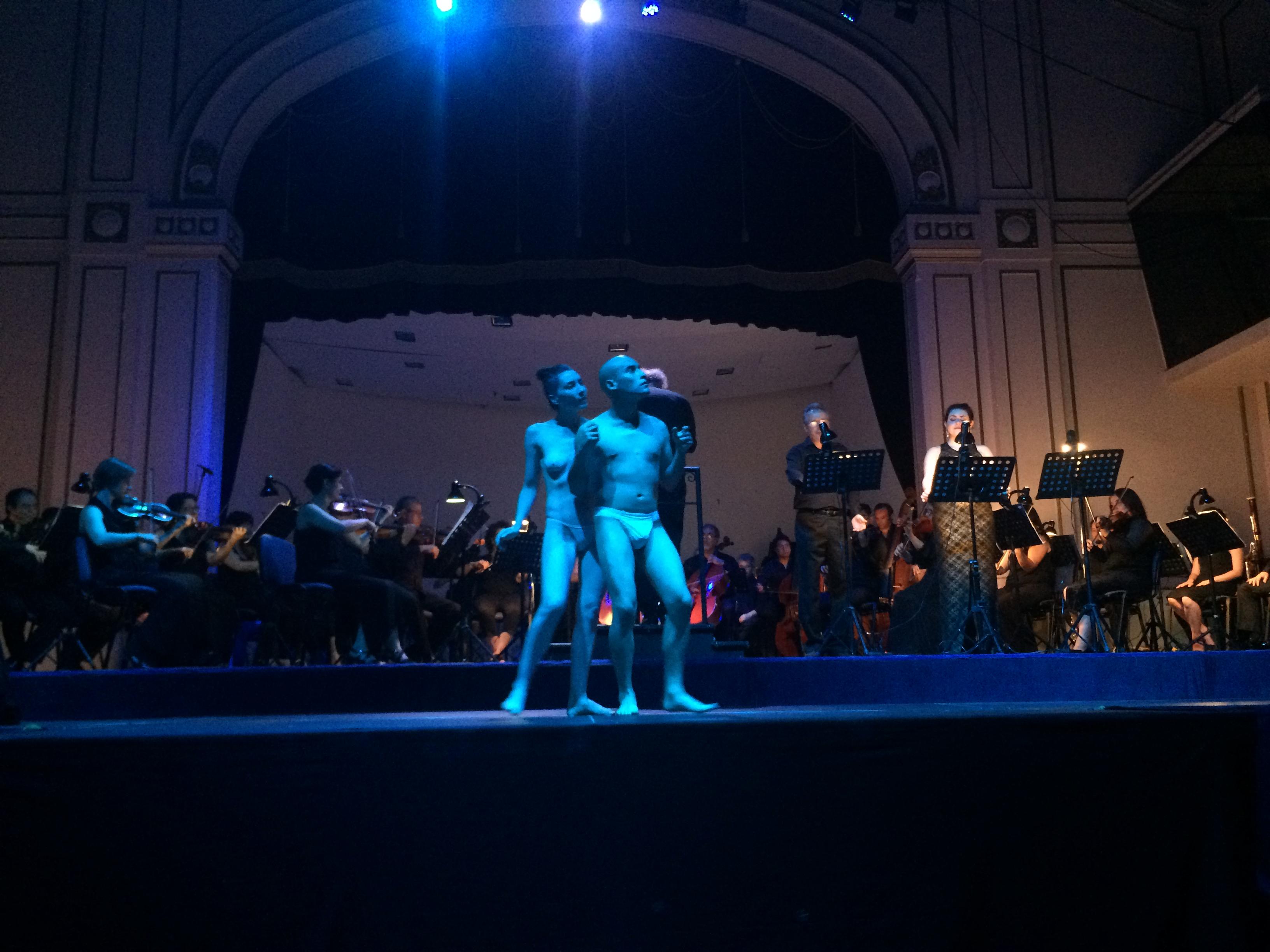 Orfeo y Euridice en el tercer acto. foto Pablo Gonzñalez